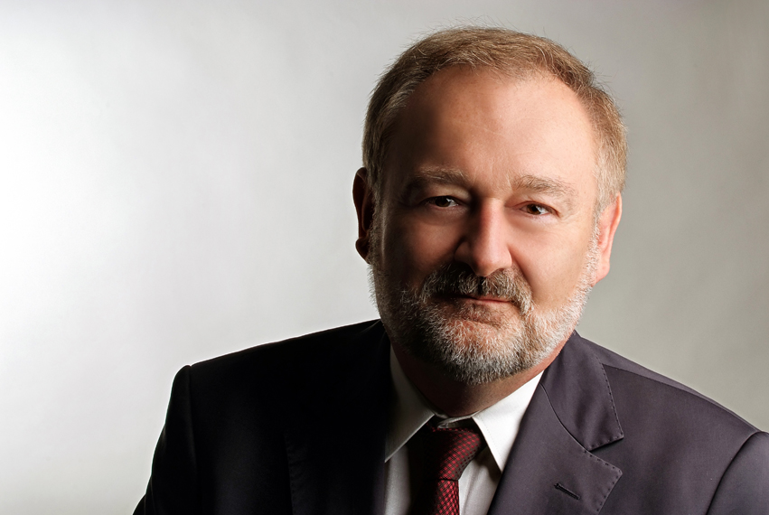 Kelemed Plasztika, dr. Kelemen Ottó, Dr. Kelemen Ottó PhD